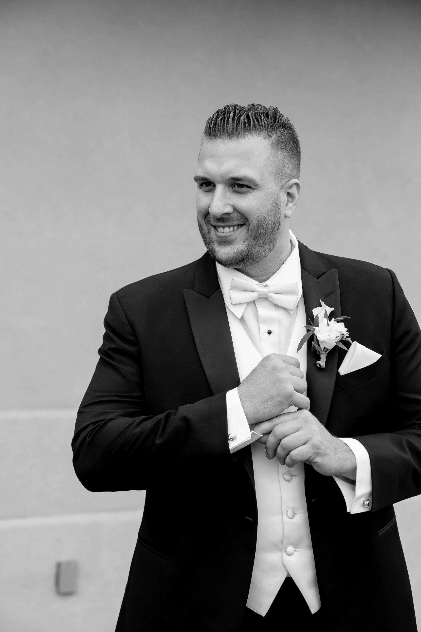 Victori_Rob_Mohawk River Country Club Wedding-17.jpg