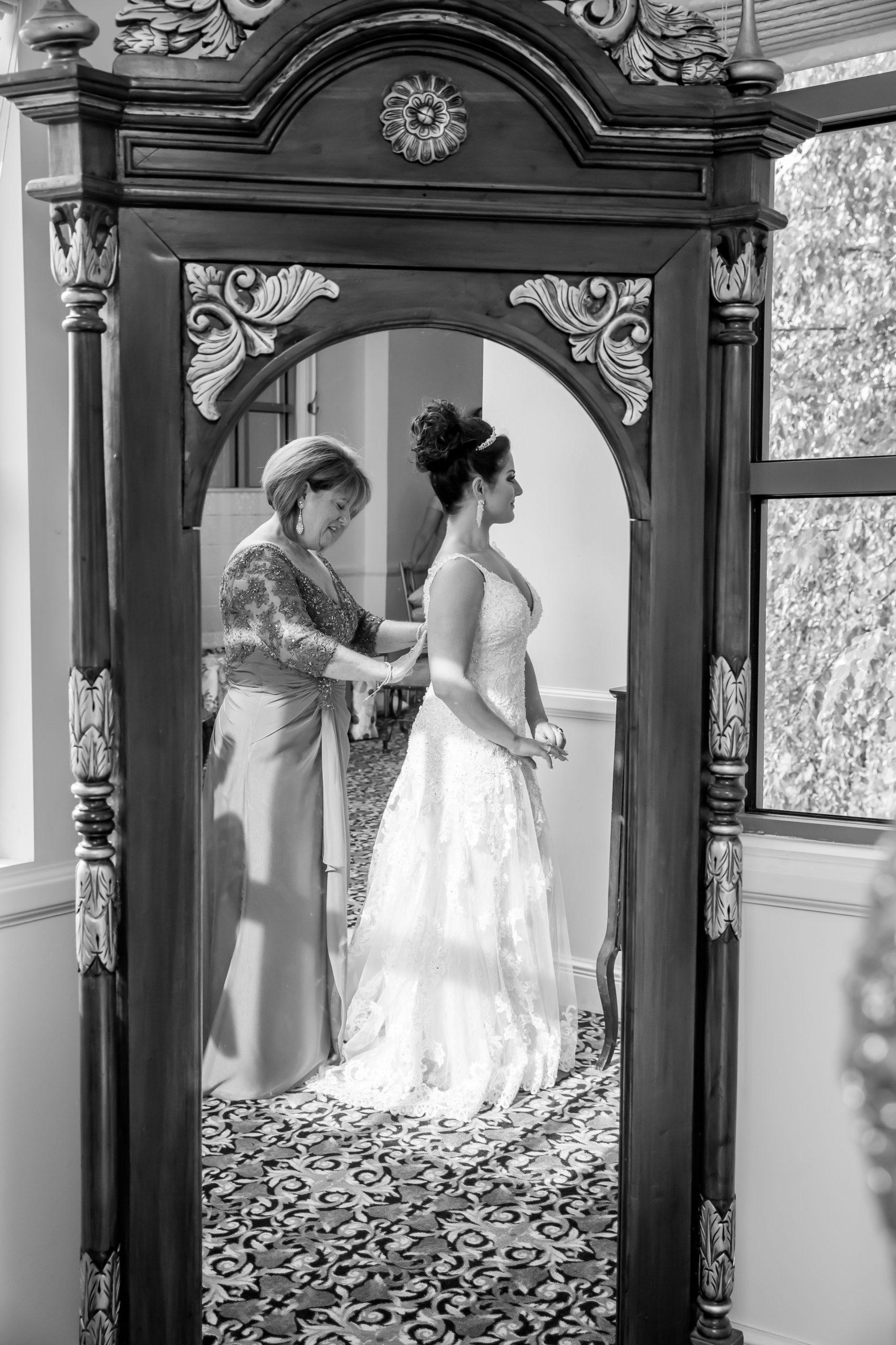 Victori_Rob_Mohawk River Country Club Wedding-18.jpg
