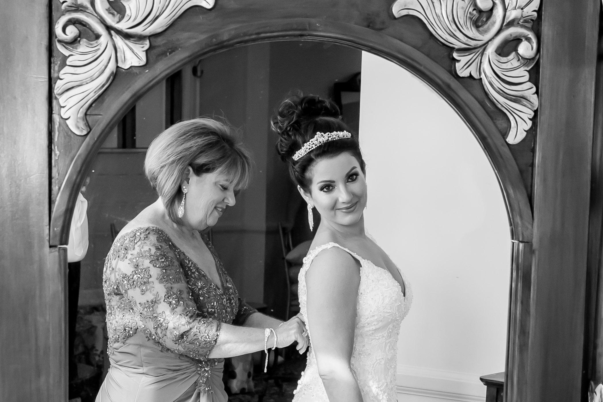 Victori_Rob_Mohawk River Country Club Wedding-19.jpg