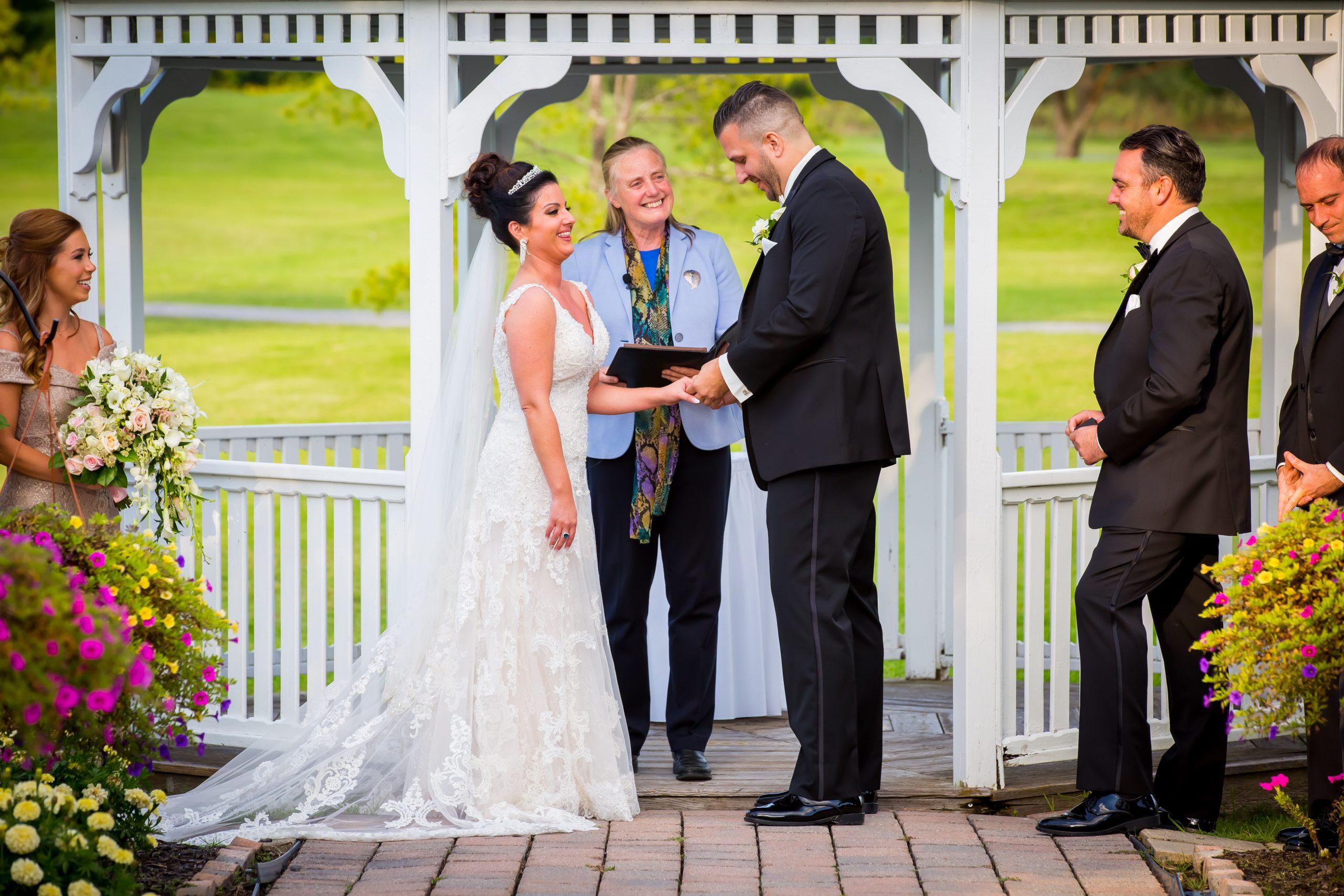 Victori_Rob_Mohawk River Country Club Wedding-29.jpg