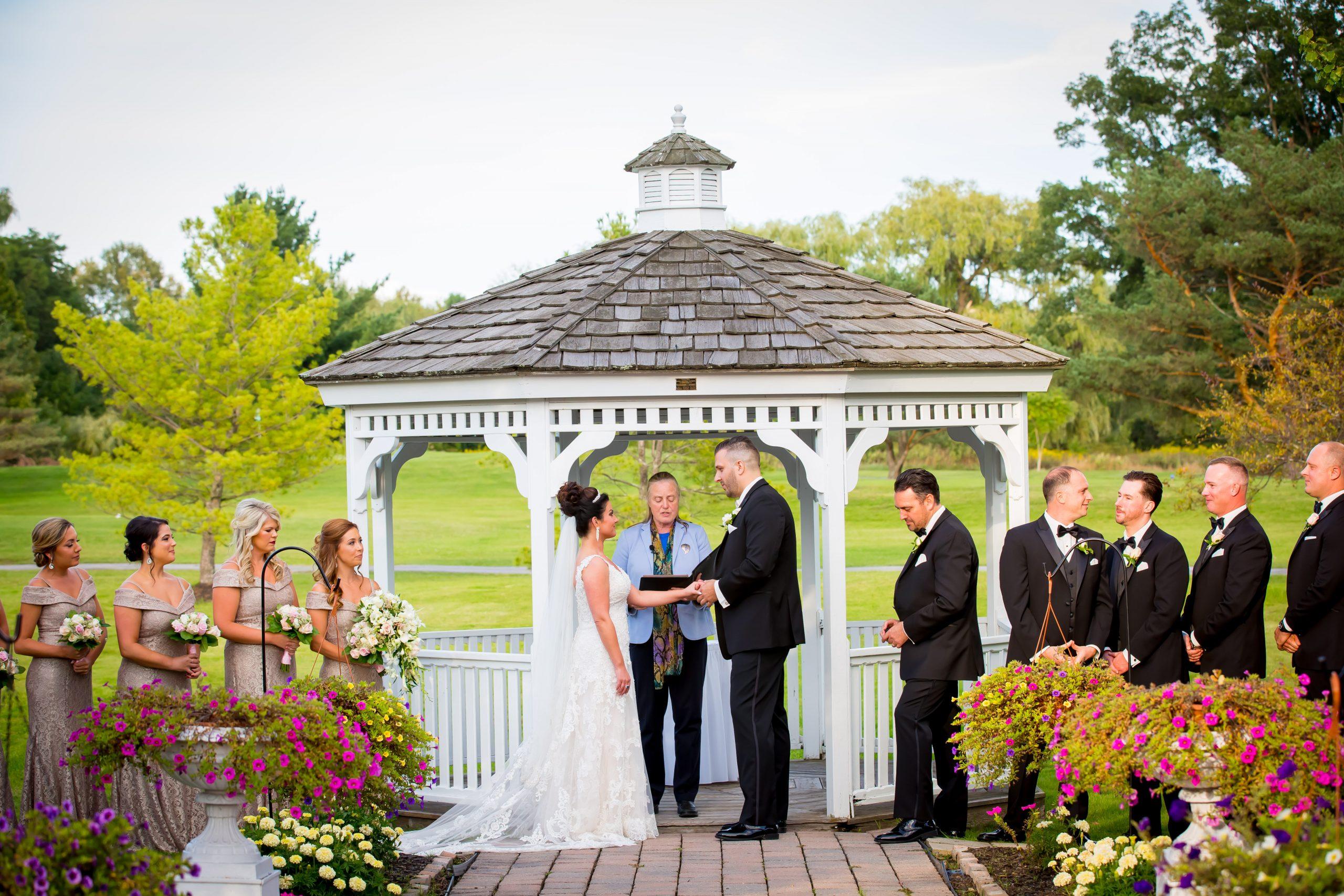 Victori_Rob_Mohawk River Country Club Wedding-30.jpg