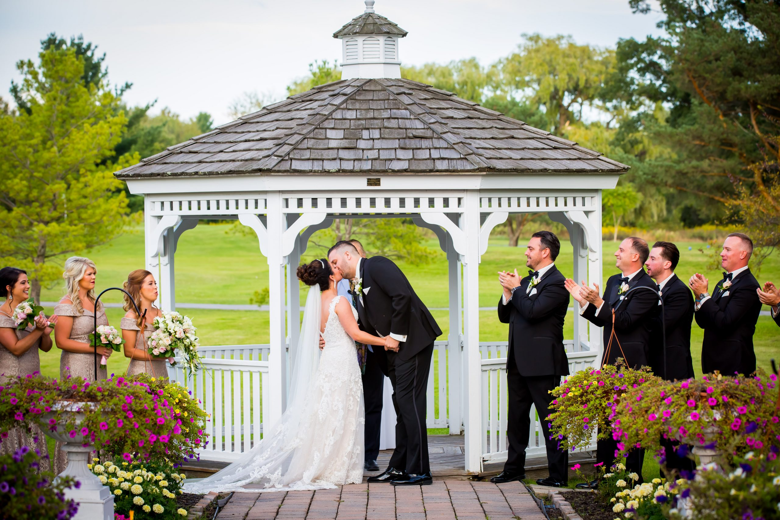 Victori_Rob_Mohawk River Country Club Wedding-31.jpg