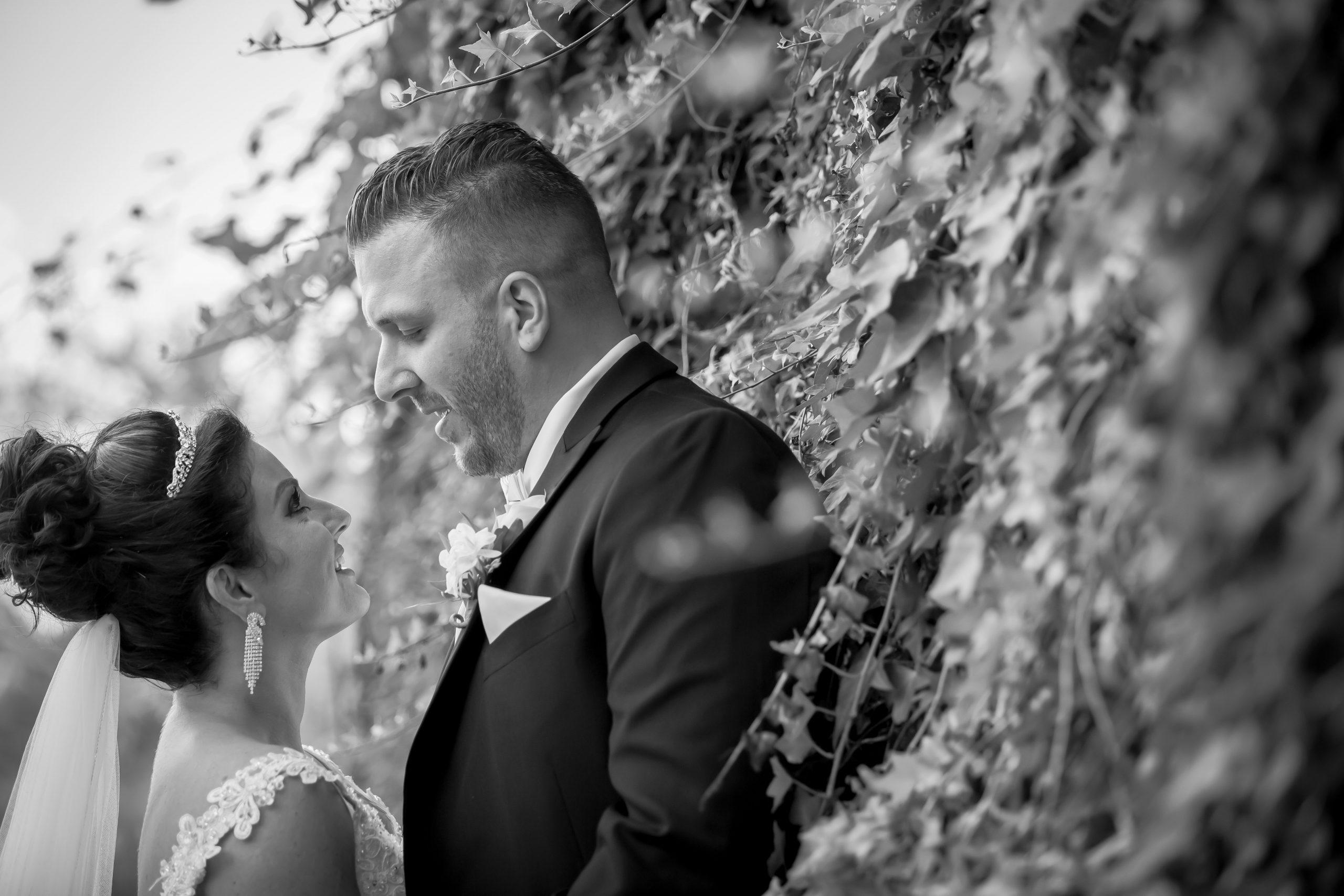 Victori_Rob_Mohawk River Country Club Wedding-37.jpg