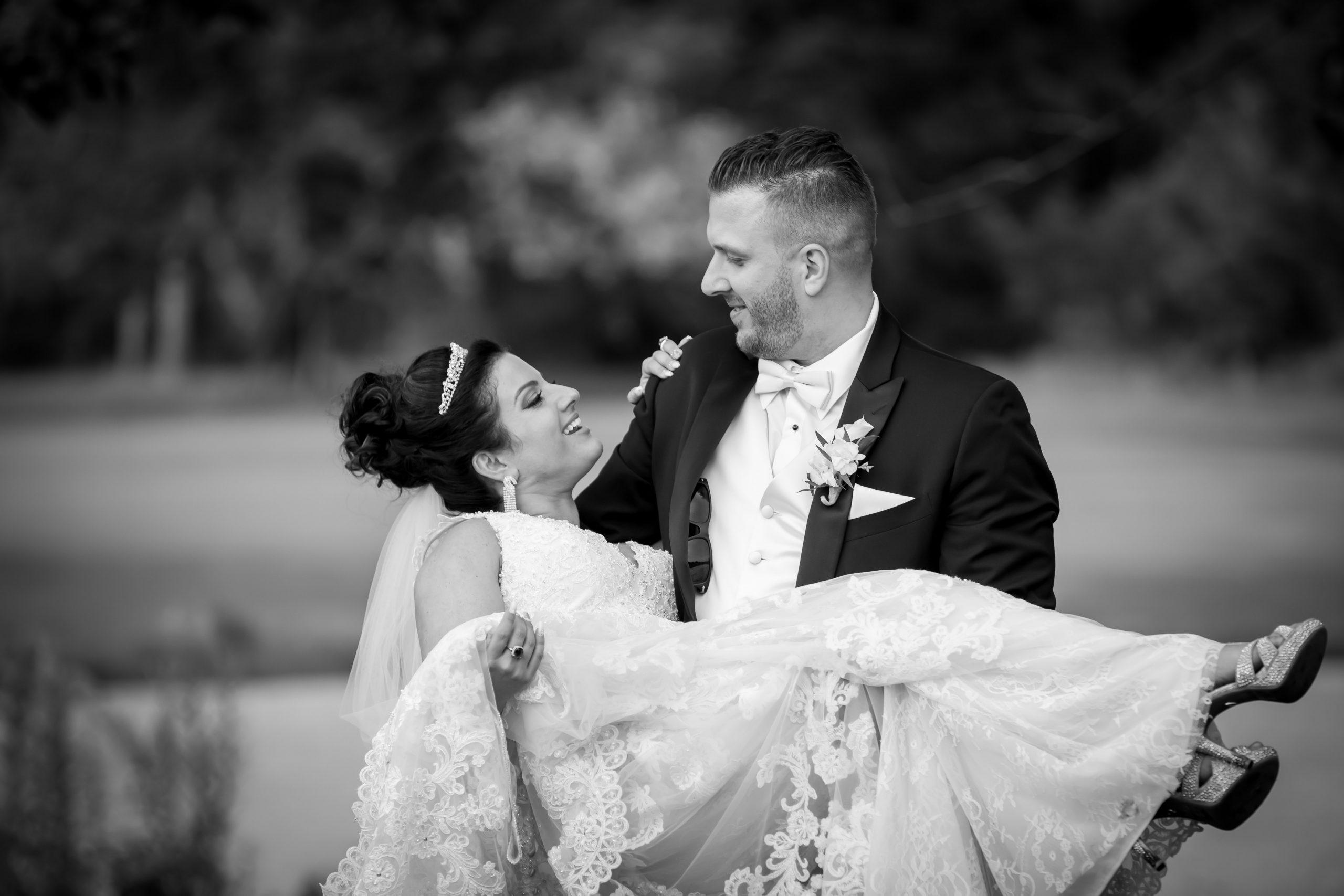 Victori_Rob_Mohawk River Country Club Wedding-40.jpg