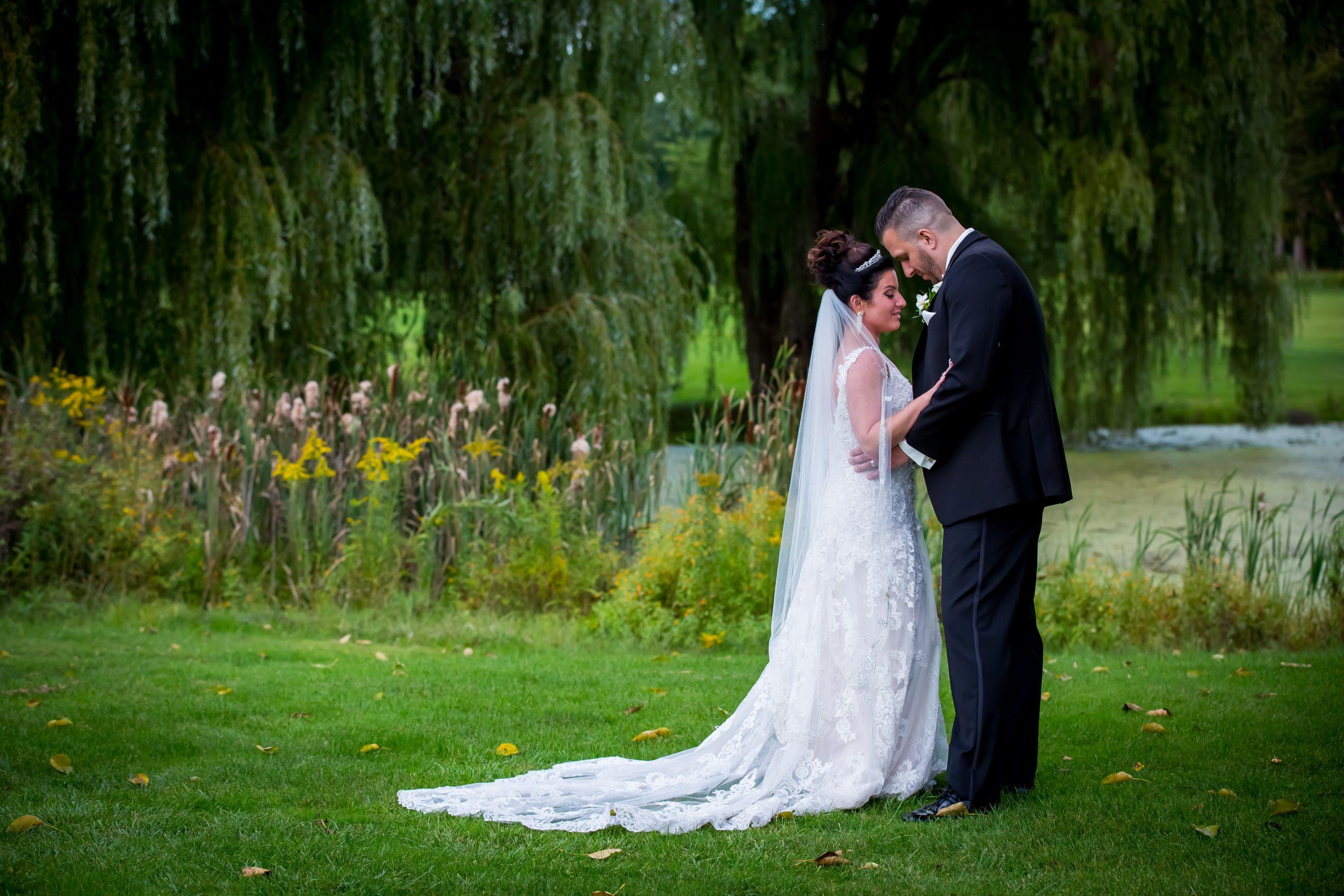 Victori_Rob_Mohawk River Country Club Wedding-41.jpg