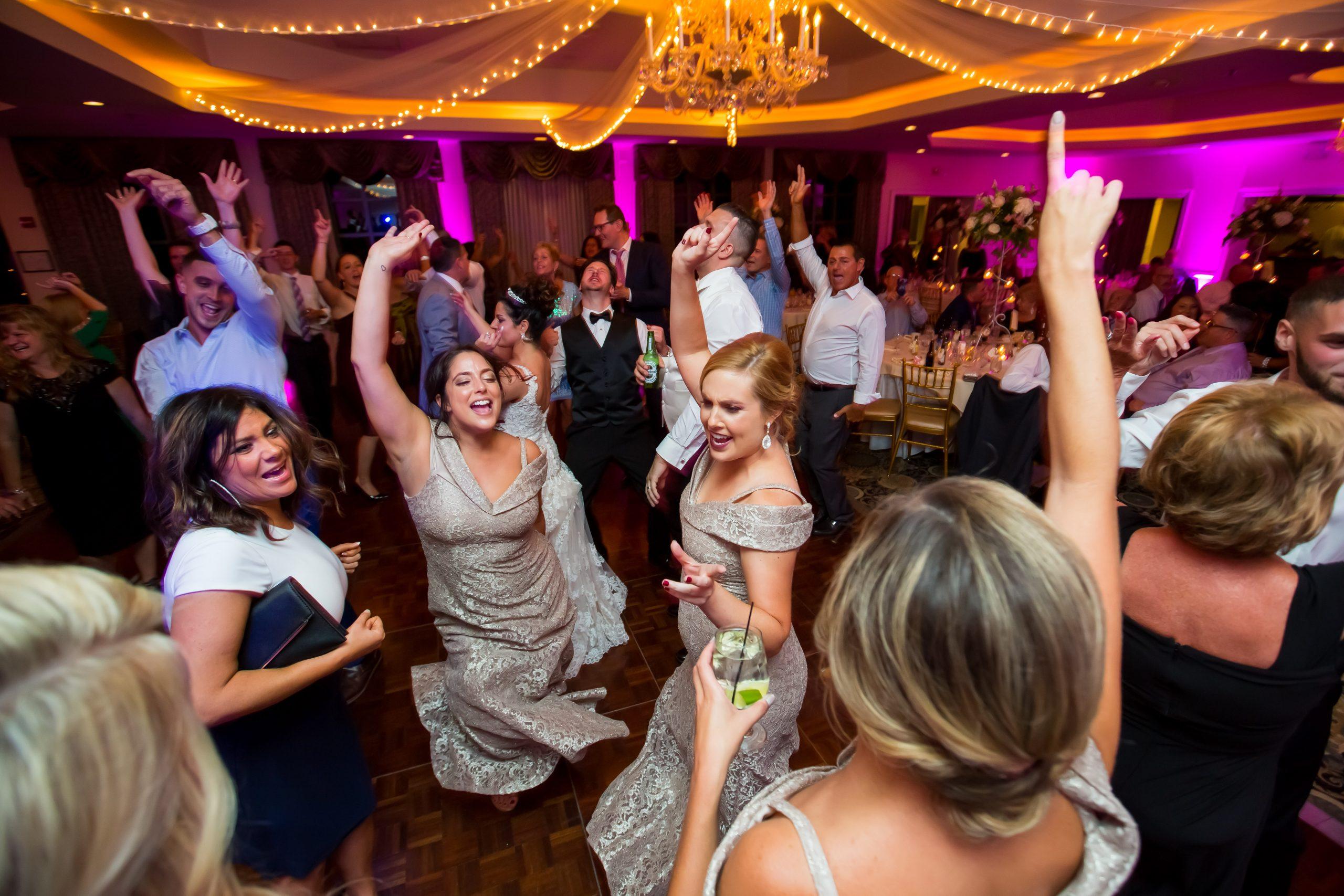 Victori_Rob_Mohawk River Country Club Wedding-66.jpg